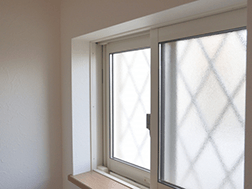 窓・サッシのお掃除も無料で行っております!