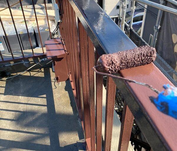 東京都葛飾区 I様邸 防水工事 外壁補修 屋上手摺りの塗装 ケレン作業とは (7)