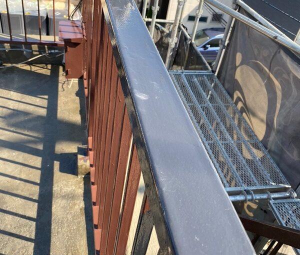 東京都葛飾区 I様邸 防水工事 外壁補修 屋上手摺りの塗装 ケレン作業とは (8)