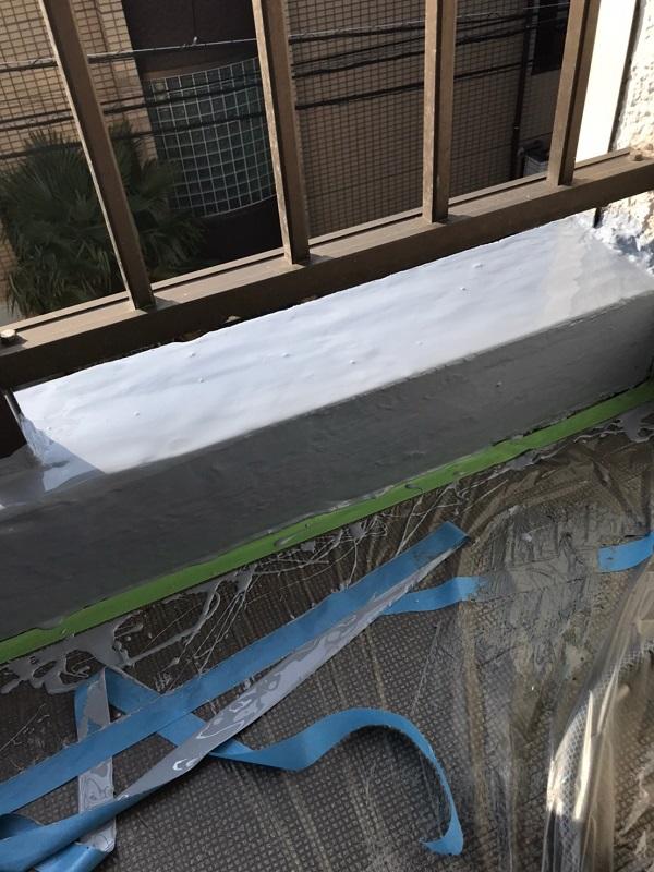 千葉県習志野市 シーリング工事・防水工事 アパート ウレタン防水 ひび割れシーリング補修 (6)