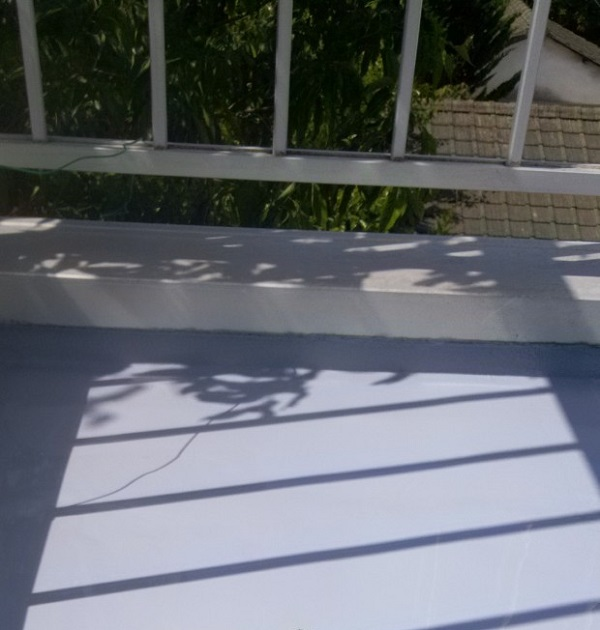 埼玉県さいたま市岩槻区 アパート 防水工事 防水材重ね塗り2 (3)
