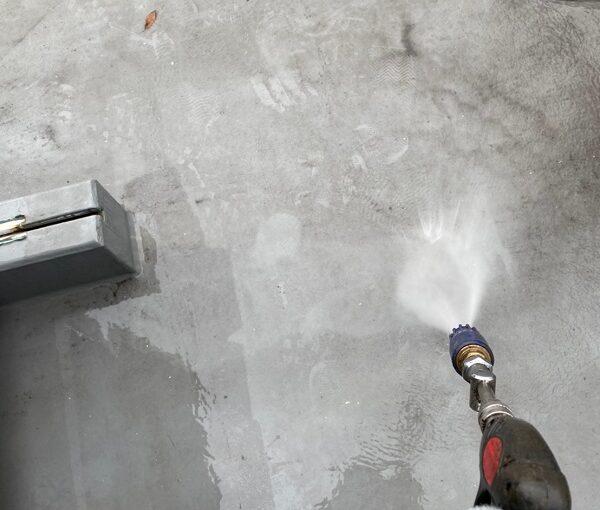 東京都台東区 ブロッケンビル改修工事 下地処理 高圧洗浄 (8)