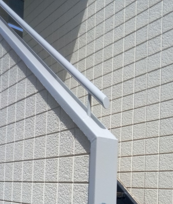 東京都江戸川区 外階段改修工事 アパート 上塗り ゴムマット敷 完工 (6)