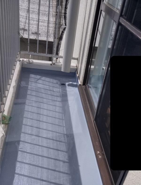埼玉県さいたま市岩槻区 アパート 防水工事 防水材重ね塗り (2)
