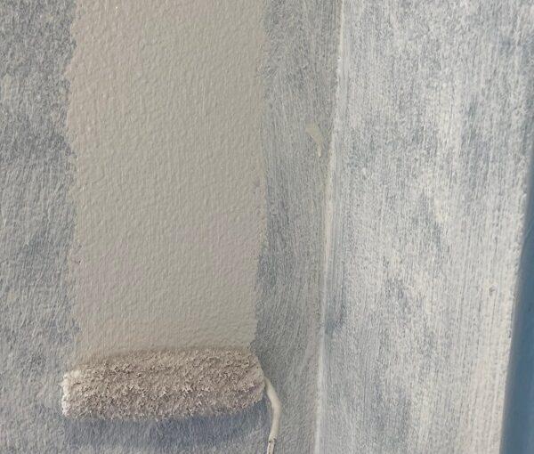 東京都台東区 ブロッケンビル改修工事 中塗り 関西ペイント シルバーグロスSi (6)