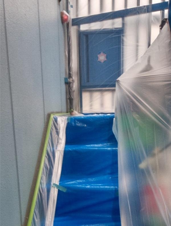 東京都台東区 ブロッケンビル改修工事 下地処理 養生の大切さ (11)